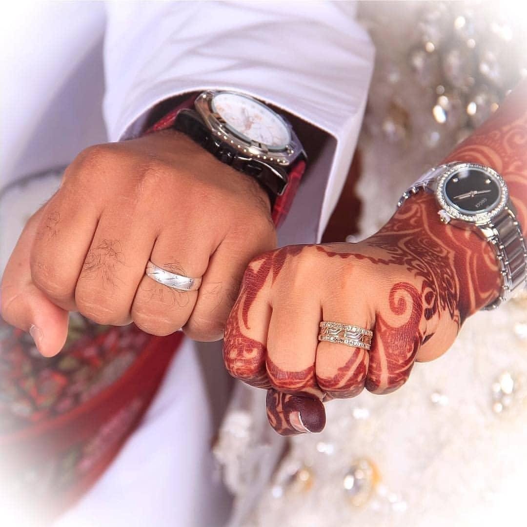 Mehandi Girl Boy Holding Hands Pic